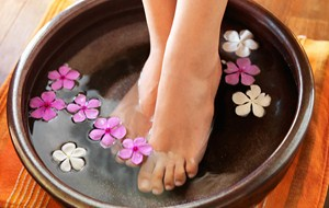 Start the summer with healthy and tidy feet!